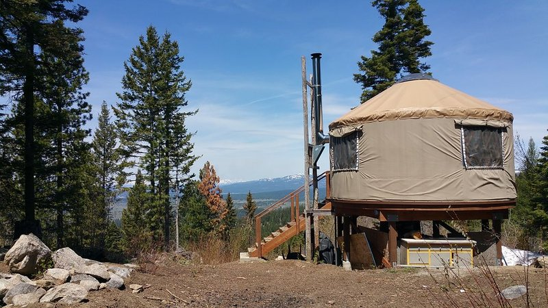 Silver Fox Yurt - Where the Mountains Meet the Moon, location de vacances à Lake Fork