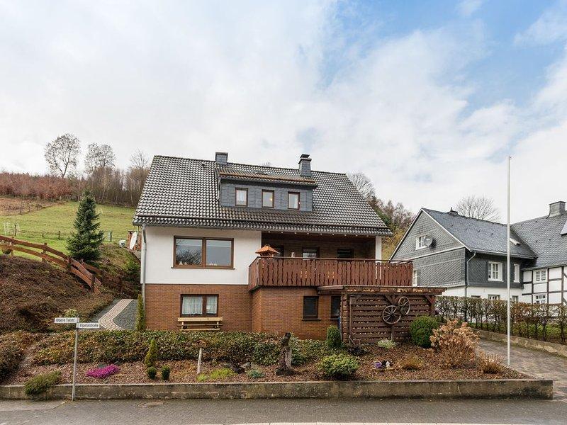 lovely holiday home in a great location near Winterberg and Willingen, aluguéis de temporada em Westernboedefeld