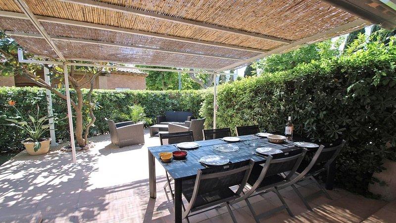 Maison T4 - 6 personnes - Climatisation - WiFi - Jardin et terrasse - Sainte Max, location de vacances à Sainte-Maxime