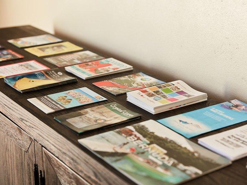 Beaucoup de brochures d'information sur l'île pour tous les invités de la Villa.