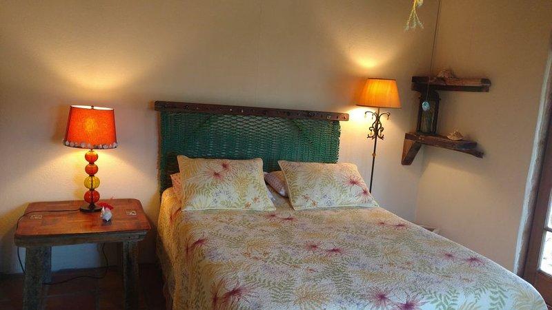 Queen bedroom in casita.