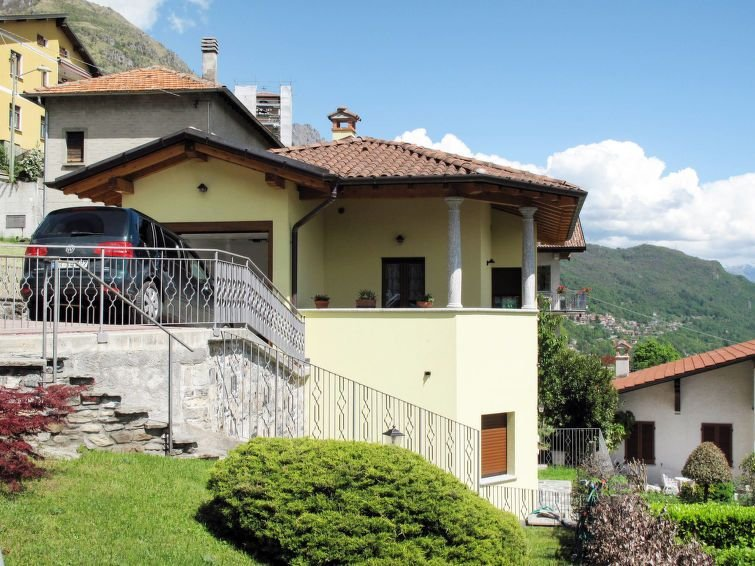 Ferienhaus Lodovina (PLZ435) in Porlezza - 4 Personen, 2 Schlafzimmer, vacation rental in Province of Como