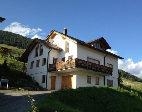 Ferienhaus Sent für 4 - 6 Personen mit 2 Schlafzimmern - Ferienhaus, holiday rental in Tarasp