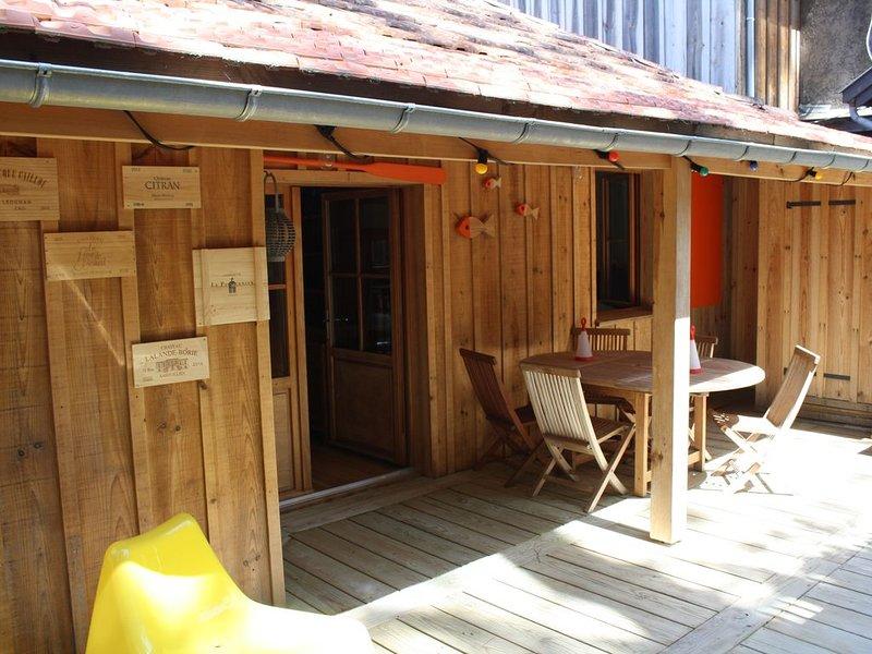 Cabane en Bois au Cap Ferret à 200 mètres de la plage, holiday rental in Lege-Cap-Ferret