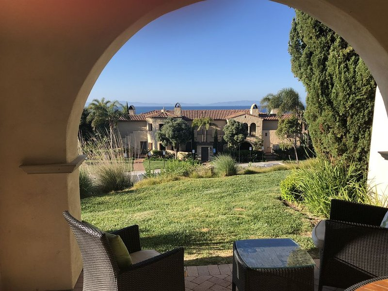 Terranea Ocean view Owner's Three-BR Casita w/ Resort Amenities!, aluguéis de temporada em Roland