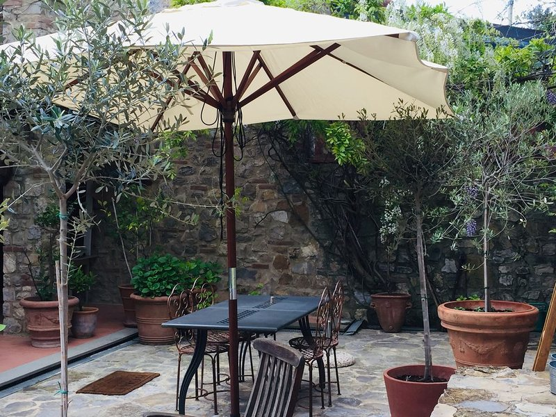 Tuscan vacation house in the Chianti With Shared Swimming Pool, location de vacances à San Gusme
