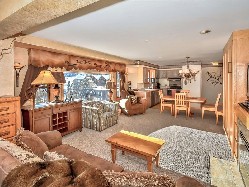 LAST MINUTE SPECIALS! Newly Remodeled, Ski-In/ Out, Pool, Hot Tub, Mountain Vill, holiday rental in Big Sky