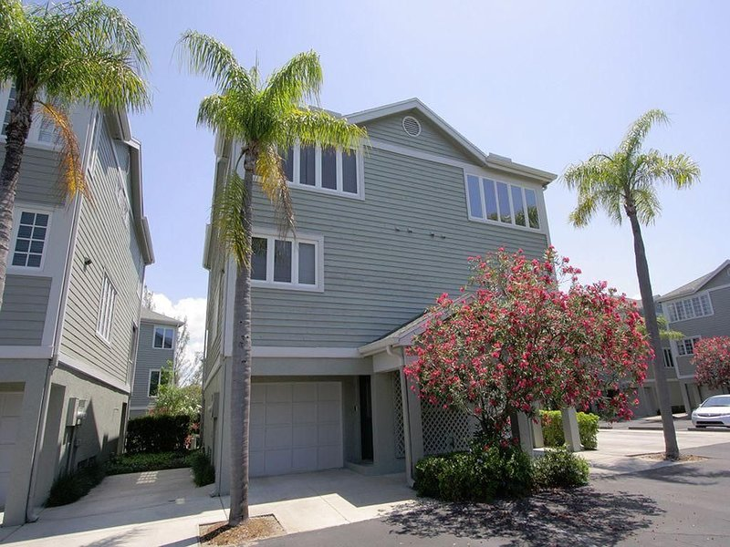Cedars East Unit #521 2BR/2.5BA Condo Longboat Key- updated- 1440 sqft, holiday rental in Longboat Key