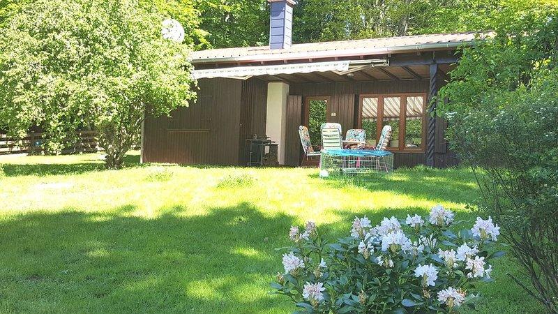 Holzhaus im Grünen - fernab vom Alltagstrubel, holiday rental in Weiskirchen
