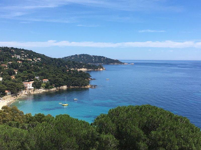 Spacieux T3 en villa pour 4 pers. avec  vue panoramique sur la Mer et les île, alquiler vacacional en Le Lavandou