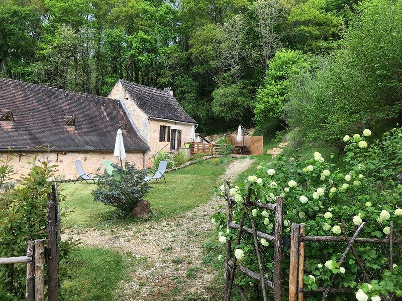 80m2 dans ancien moulin au calme - 3kms des Eyzies - 20mn Lascaux et Sarlat, vacation rental in Les Eyzies-de-Tayac-Sireuil