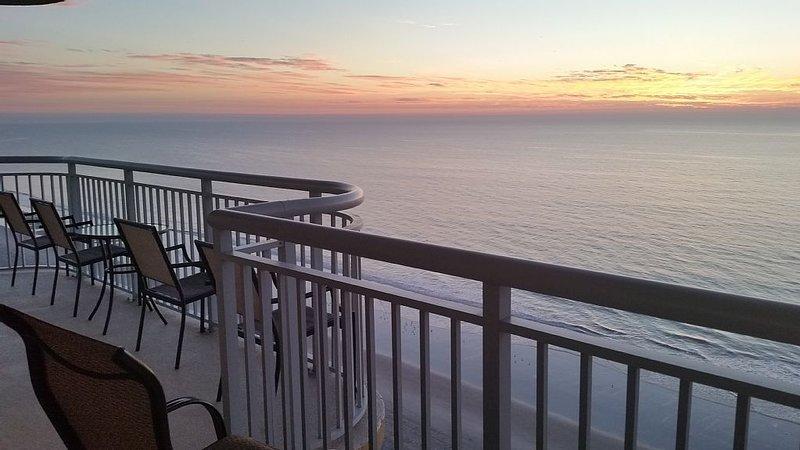 LAST MINUTE RATE,Direct Oceanfront 4BR/3BA,Corner Unit,Central location, Sleep16, alquiler de vacaciones en Myrtle Beach
