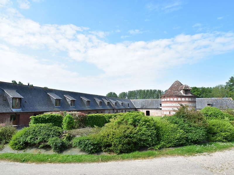 Spacious Cottage with Private Garden in Normandy, holiday rental in Quiberville