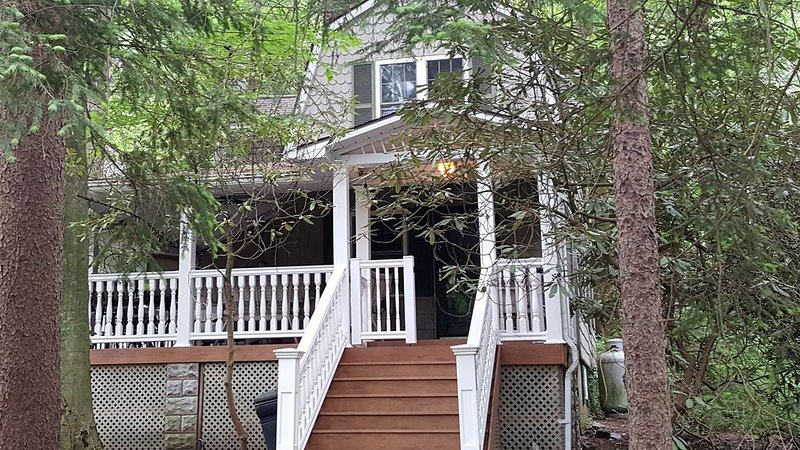 Completely Updated Year Round Cottage, holiday rental in Mount Joy