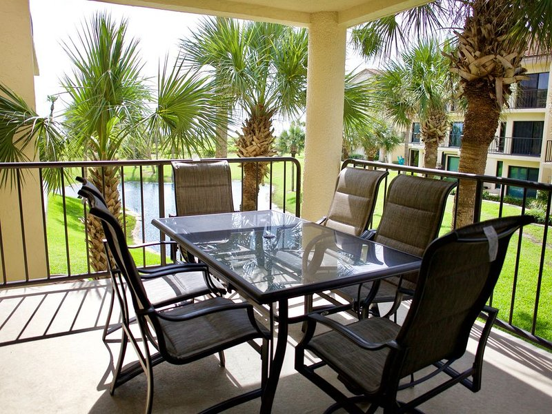 Upgraded Gold-rated unit with sunlit views of the lagoon and ocean!, vacation rental in Saint Augustine Beach