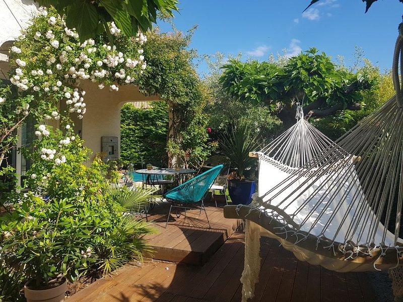 Villa avec piscine entre Montpellier et Nimes, holiday rental in Boisseron