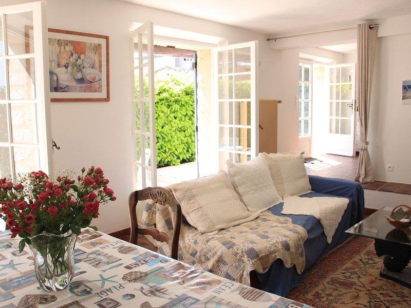 Villa luxe grande piscine privative  calme proche centre ville, Ferienwohnung in Vence