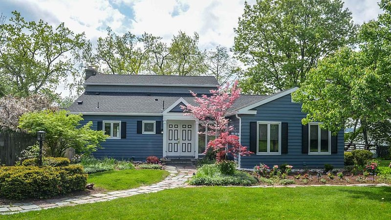 Cape on the Lake:  Park-like Setting on Seneca Lake, vacation rental in Romulus