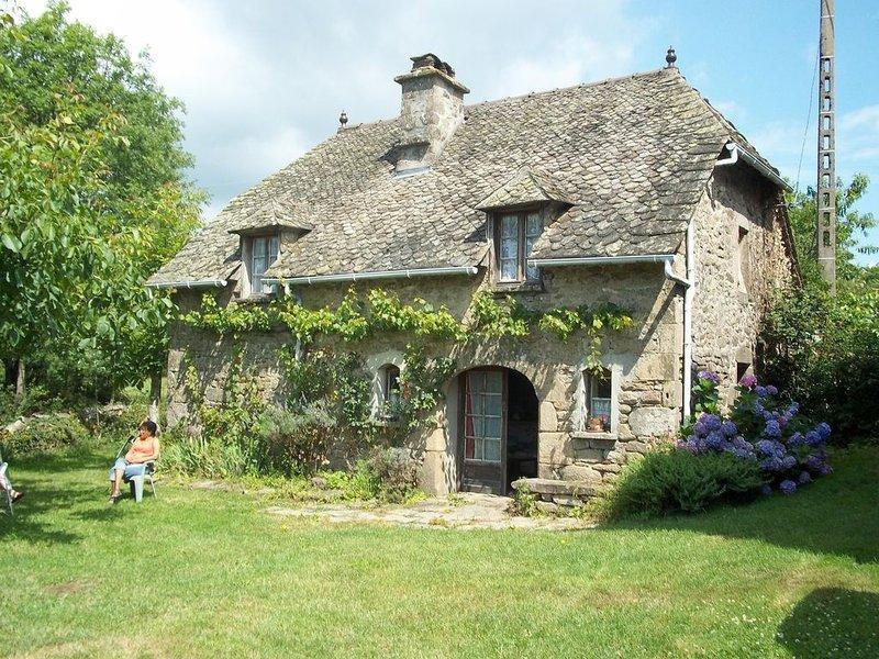 FOUR A PAIN  familial typique, location de vacances à Beaulieu-sur-Dordogne