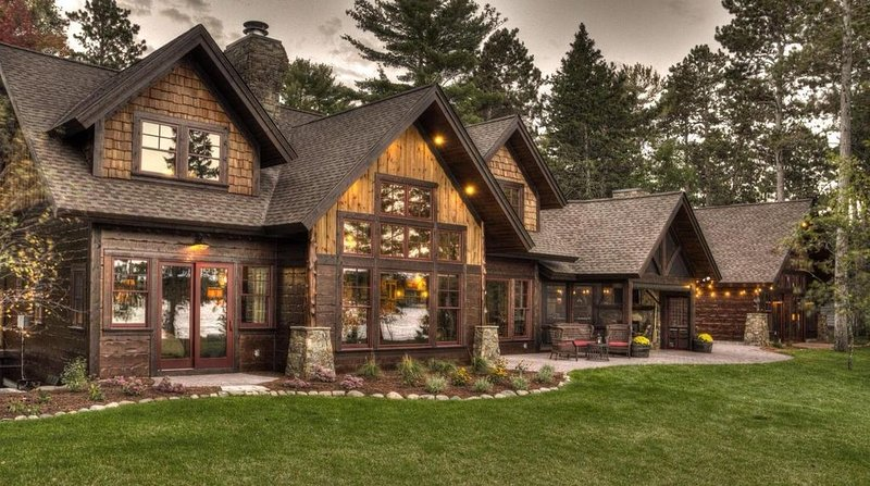 Luxury Cabin On The Whitefish Chain, holiday rental in Pine River