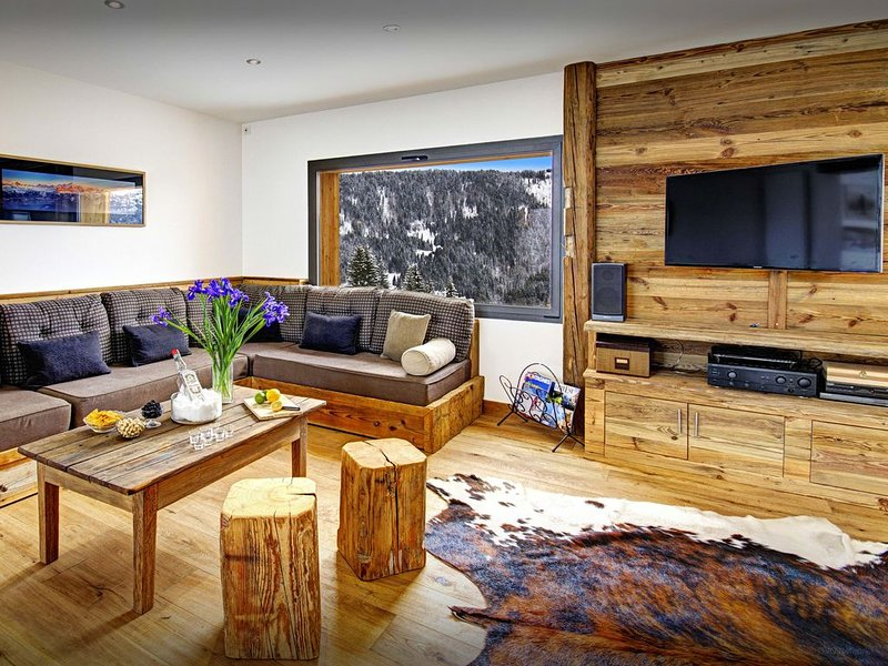 Chalet 4*contemporain proche piste, à 3 km de La Clusaz-wifi - OVO Network, vacation rental in La Clusaz