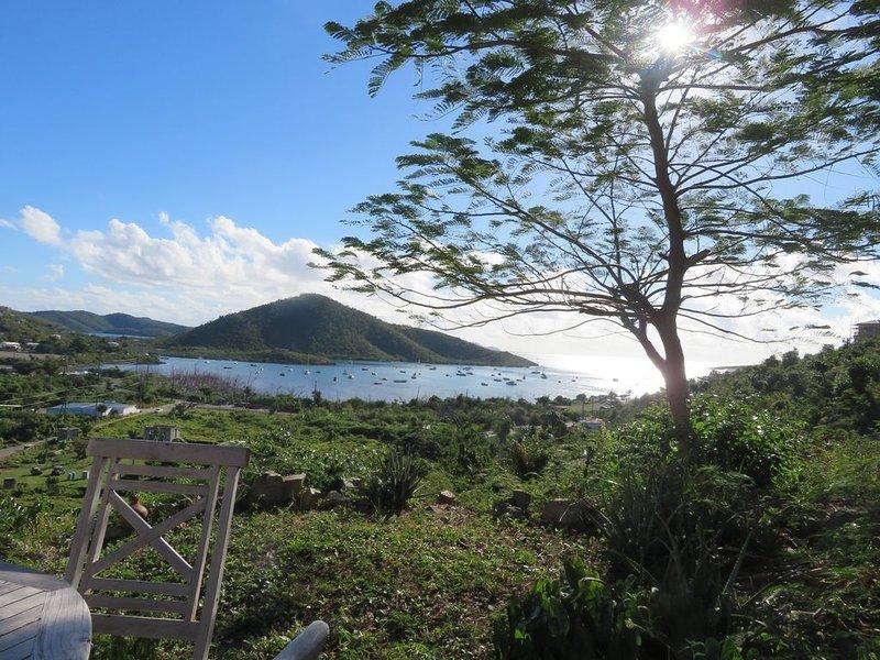 Palm Cottage: Affordable,  Great View, Coral Bay Bargain!!, location de vacances à Coral Bay
