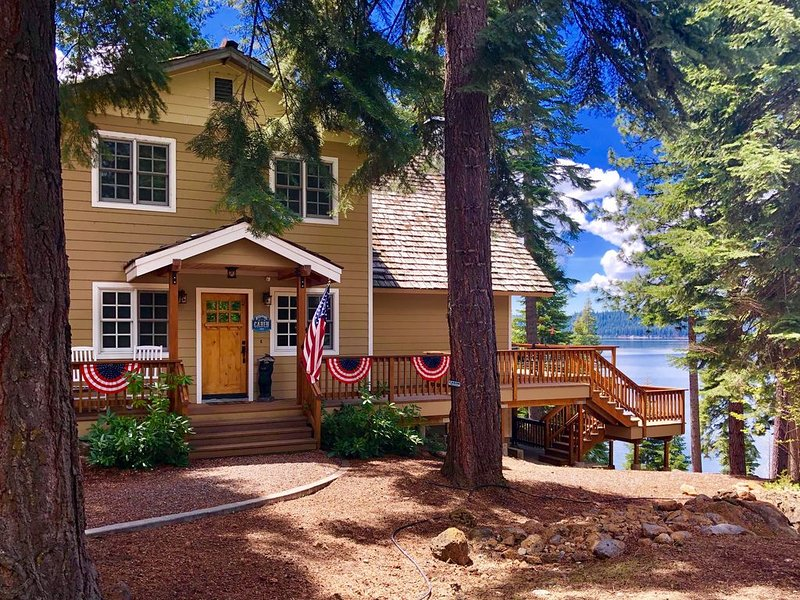 Beautiful Lakefront Home in LACC-Spectacular Views! Private Dock/Buoy, holiday rental in Westwood