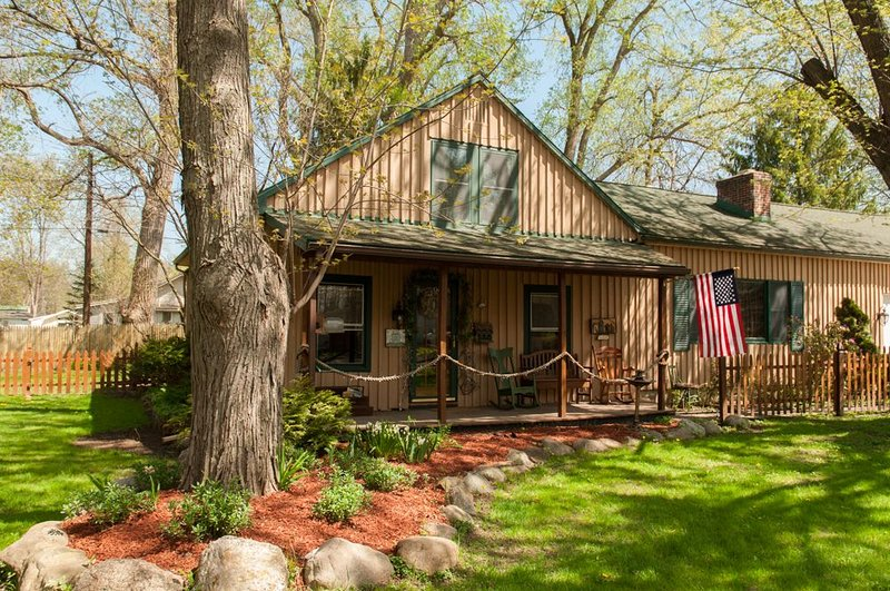 Our Conesus Lake House - Affordable, Quality Vacation Destination, location de vacances à Webster Crossing
