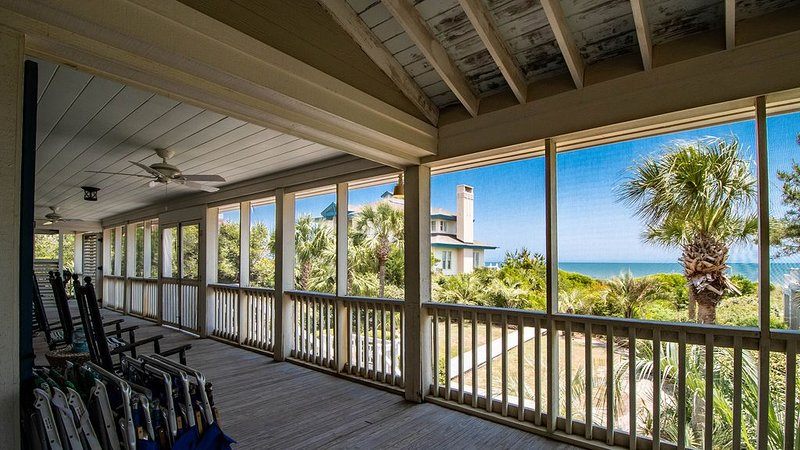 Enjoy the Tranquility and Ocean Breezes in this Oceanfront Home, vacation rental in Georgetown