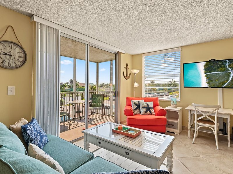 Florida Beach Condo at the Beach and Tennis Club Resort, Naples, Fl, vacation rental in Bonita Springs