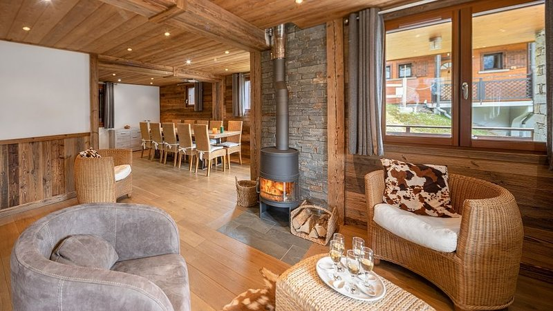 Chalet 12 pers - proche centre et pistes, cheminée, sauna et spa privatif – semesterbostad i Chatel
