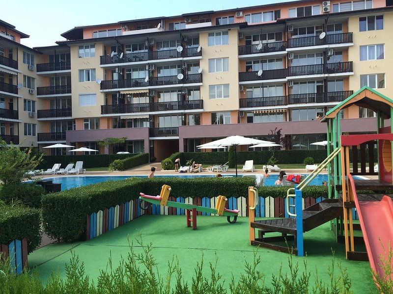 Two bedroom apartment in Apartcomplex Chateau Aheloy, holiday rental in Kableshkovo