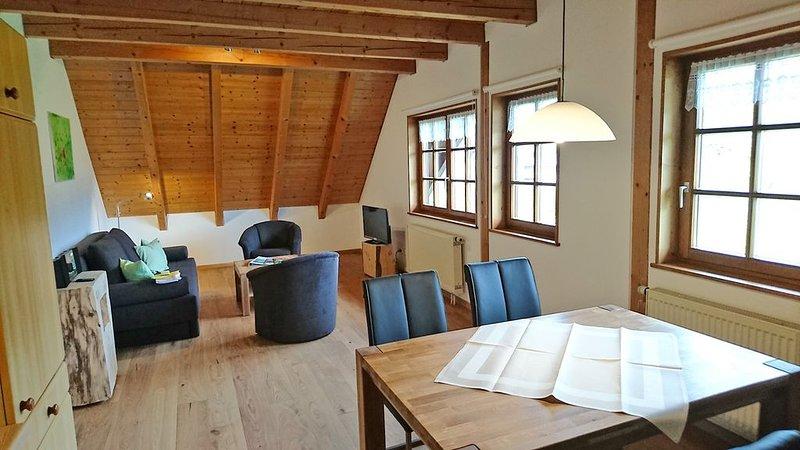 Biohaus 2, 55qm, 1 Schlafzimmer, max. 3 Personen, vacation rental in Titisee-Neustadt