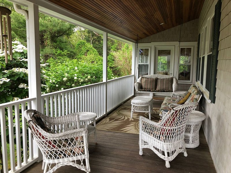Be Charmed At Megansett Beach House in North Falmouth, holiday rental in Cataumet