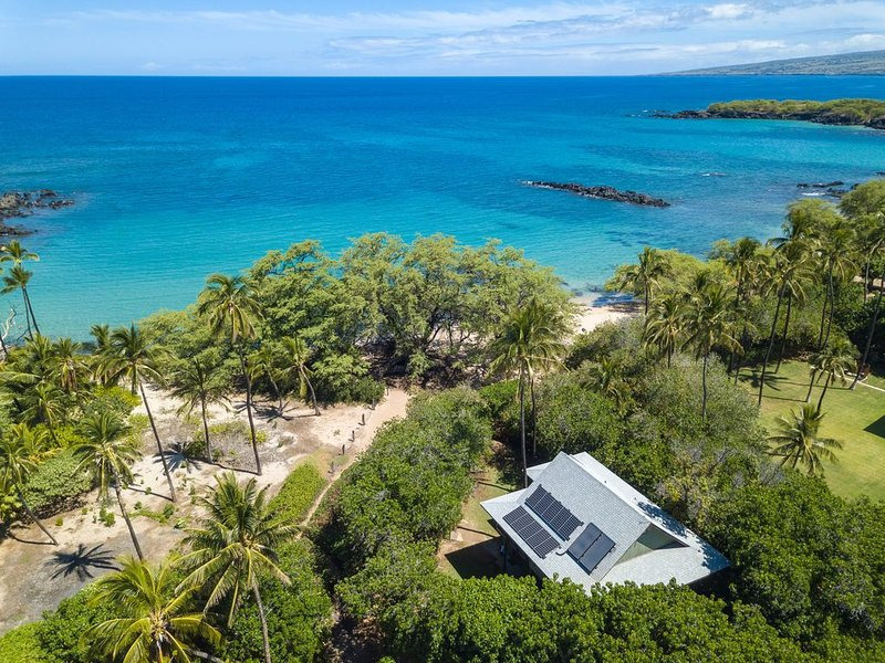 Waialea Bay 3-bedroom home located just steps away from the ocean, vacation rental in Puako