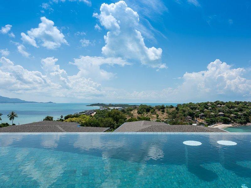 4 Bedroom Panoramic Sea & Sunset View Villa 2 Minutes Walking to the Beach, alquiler vacacional en Plai Laem