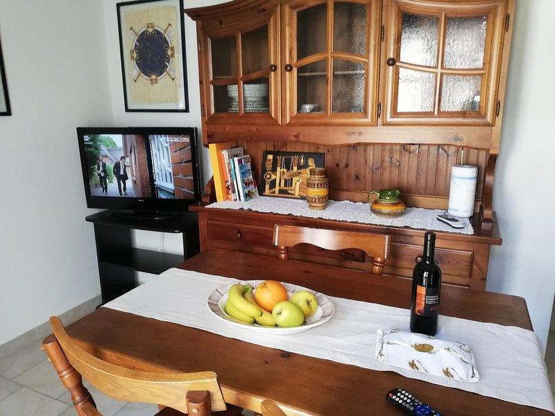 Bivano completo di arredi e confort, vacation rental in Villaputzu