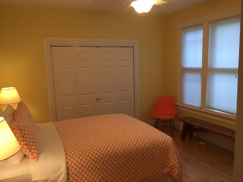 The Orange Room. First floor, Queen bed.