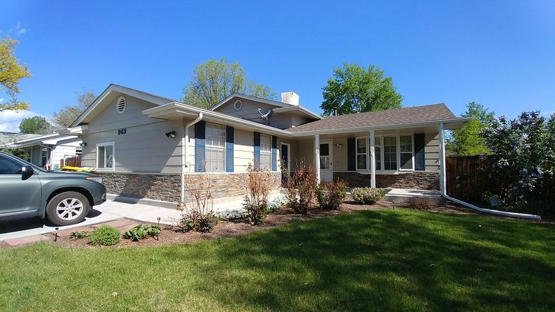 New! Cozy Broomfield Home, casa vacanza a Westminster