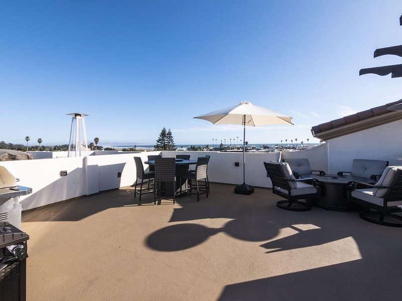 Just Finished and Furnished!  Spacious Luxury Condo built in 2018, holiday rental in Pismo Beach