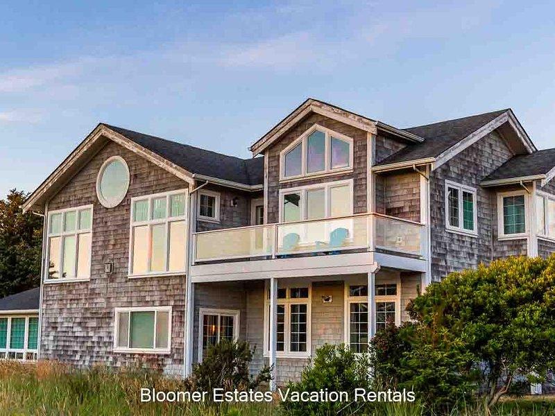 Bk 2/Get 2 FREE! WOW VIEWS, steps to town & beach,Pets (Seas), aluguéis de temporada em Long Beach