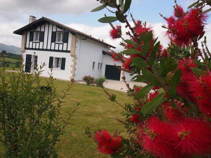 classée 4 étoiles 2020  Maison  entre mer et montagne sur 1500m2 fermés., alquiler de vacaciones en Elizondo
