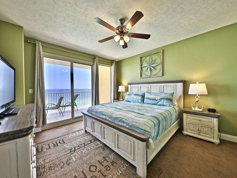 Treasure Island 2BR-Bunk***King size beds both bedrooms, vacation rental in Panama City