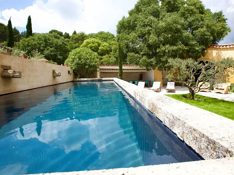 Magnificent views the heart of Provence, vacation rental in Saint-Martin-de-Crau