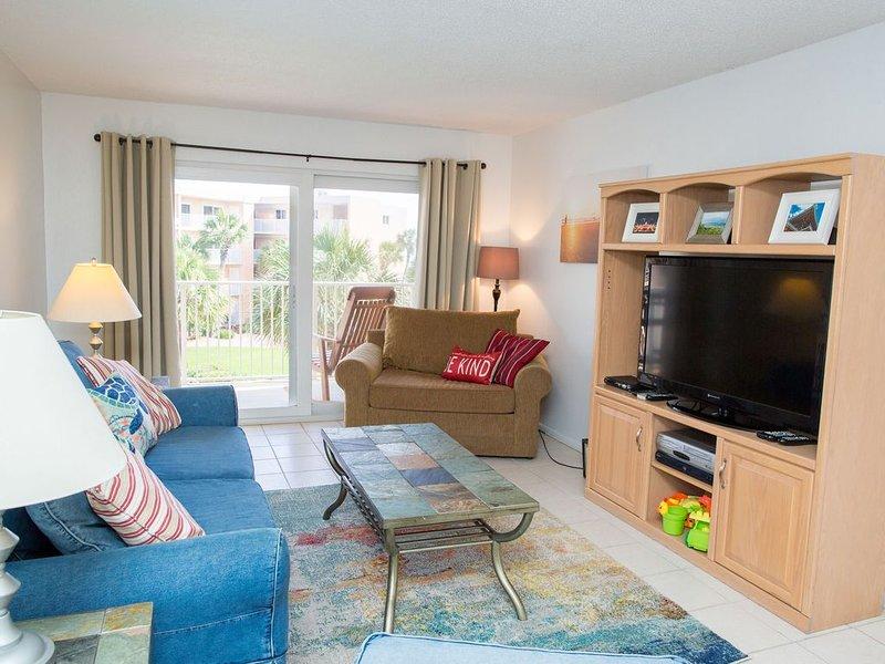 Mysigt färgstarkt vardagsrum perfekt för avkoppling!