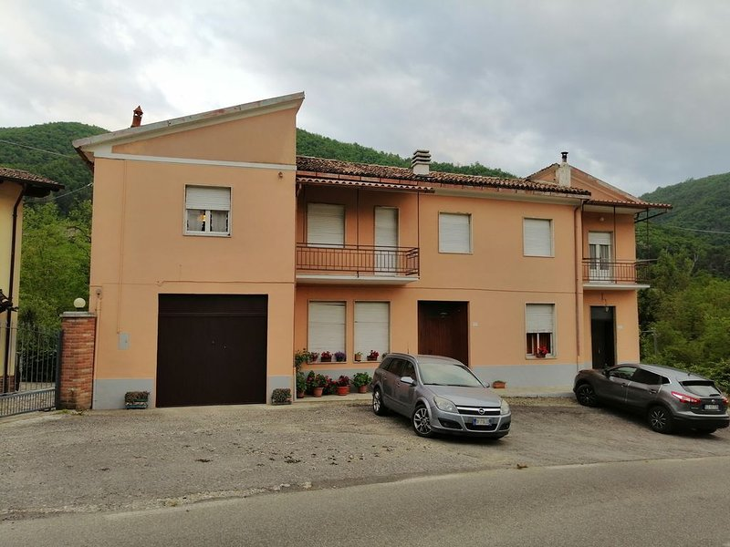 Appartamento indipendente 1° piano , 6+ posti letto, holiday rental in Cantalupo Ligure