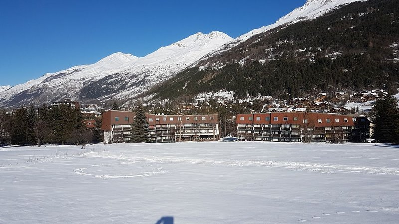 Beautiful duplex apartment 3 + kb night - 63m2 - the slopes - facing south, location de vacances à La Salle les Alpes