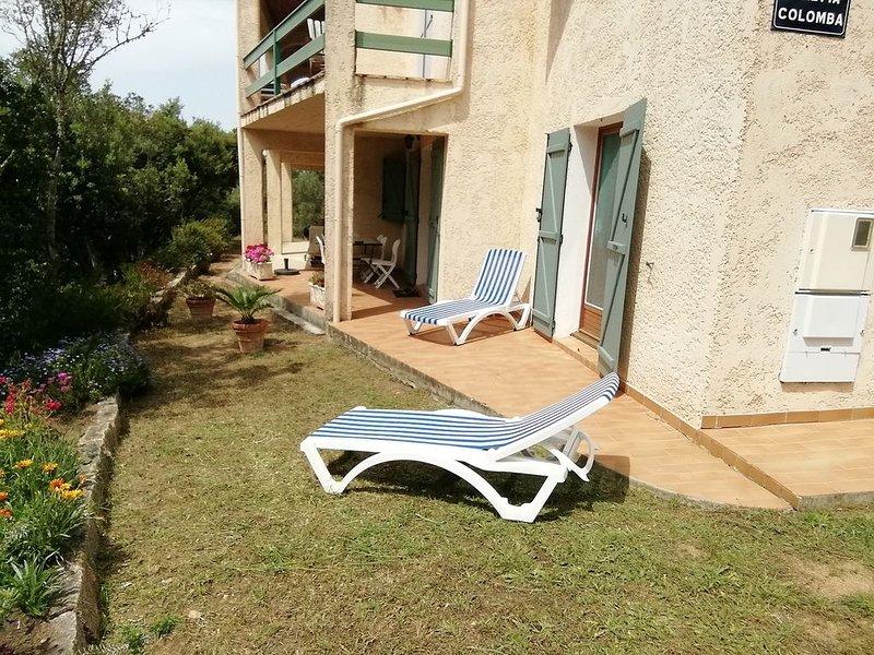 BEL APPART. 80M² bien equipe  REZ DE CHAUSSE VILLA avec jardin agreable, holiday rental in Olmeto