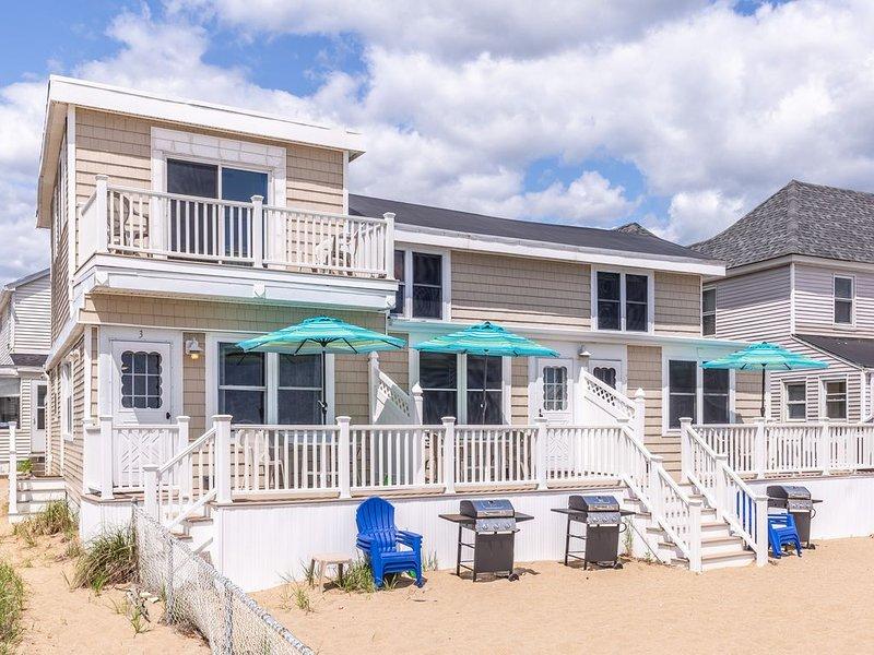 Ocean front townhouse with incredible views!, vacation rental in Newburyport