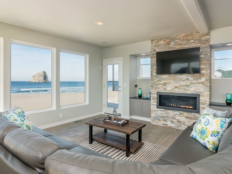 Catoor, Oceanfront luxury, incredible views and decor, a MUST-SEE home, holiday rental in Pacific City